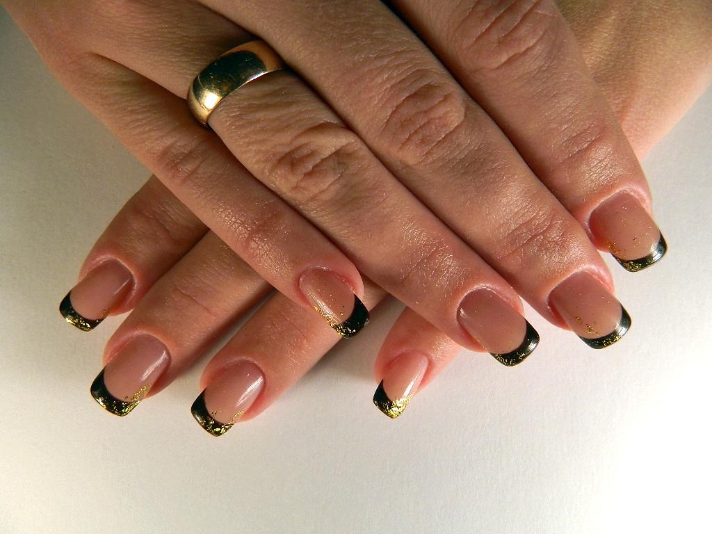 20+ фото стильного маникюра : классический ЧЕРНЫЙ френч на ногтях