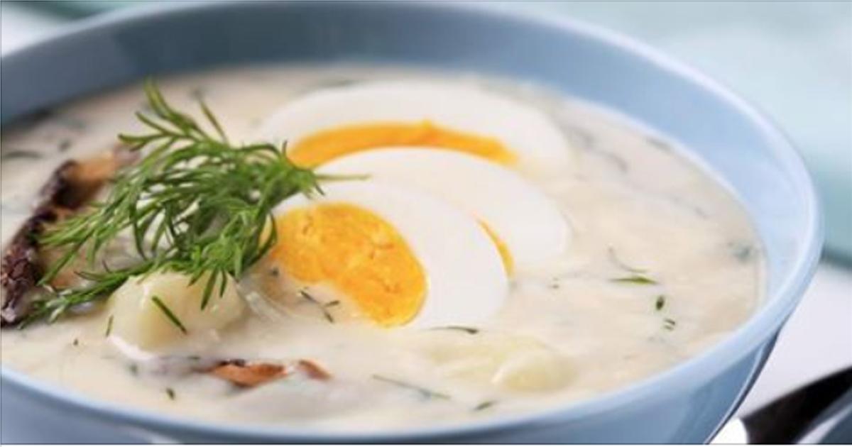 Суп со сметаной, грибами и яйцом