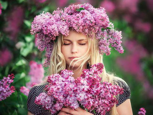 Выберите весенний цветок, и узнайте какие приятности вас ждут в ближайшее время