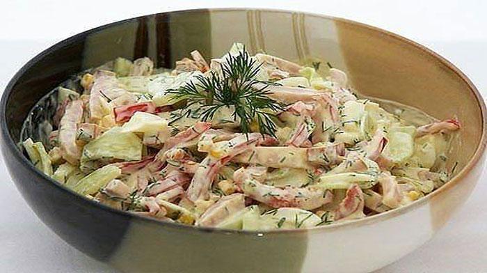 9 вкусных салатов, которые выручат Вас и в будни, и в праздники