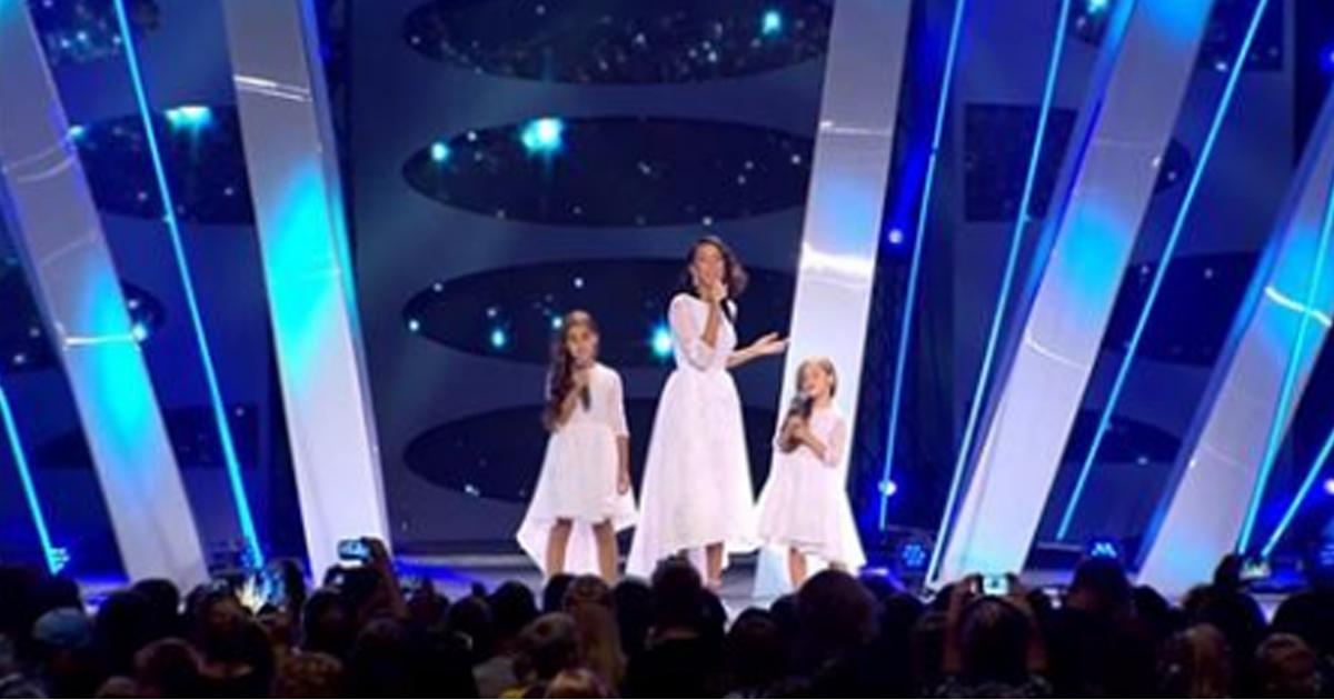 Алсу с дочками спели «Зимний сон». Фантастическое трио!