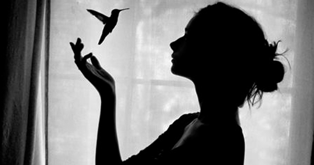 Стихотворение о том, как «С разбитым сердцем можно жить…»