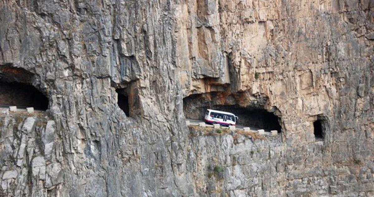 Опасные и завораживающие туннели: 12 фотографий, которые выглядят, как иллюстрация к сказке