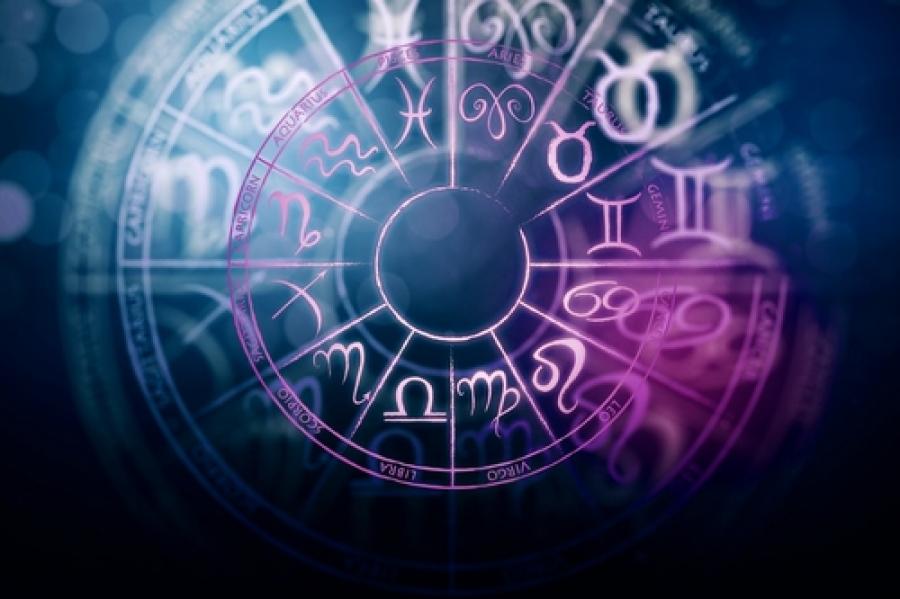 О том, как ведут себя разные знаки Зодиака в семейной жизни.