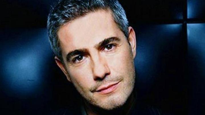 Этот великолепный голос можно слушать вечно Alessandro Sana — Luna (видео)