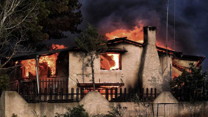 Последствия после пожара в Греции