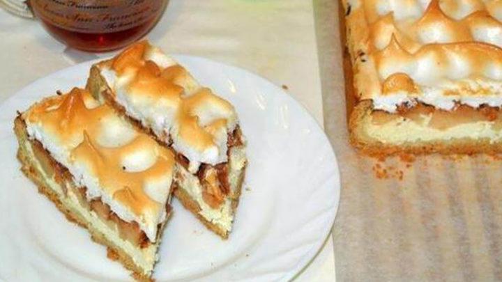 Обалденный песочный пирог «Яблочный спас» с творожно-яблочной начинкой и верхушкой безе