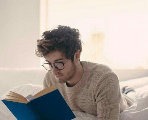 Изменят взгляд на жизнь: 17 книг, которые стоит прочитать каждой женщине