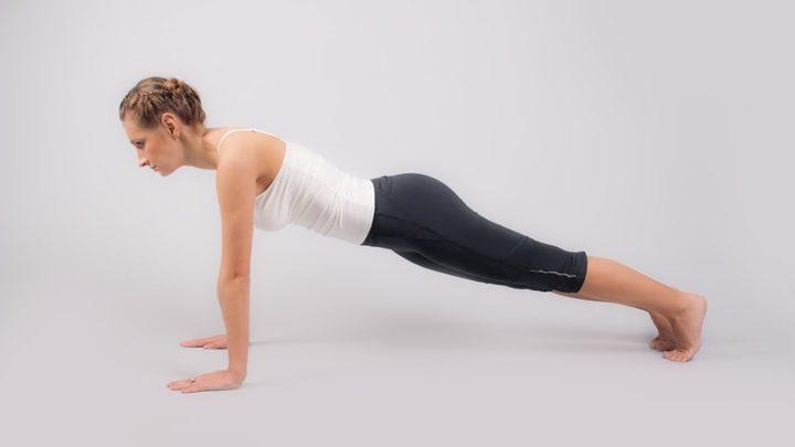 Йога для живота: 5 простых поз, которые помогут вернуть стройность животику
