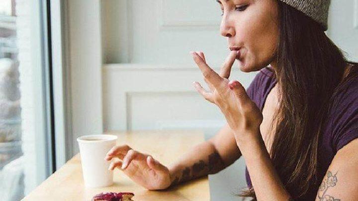 7 причин, почему жить одной — полезно для здоровья и души