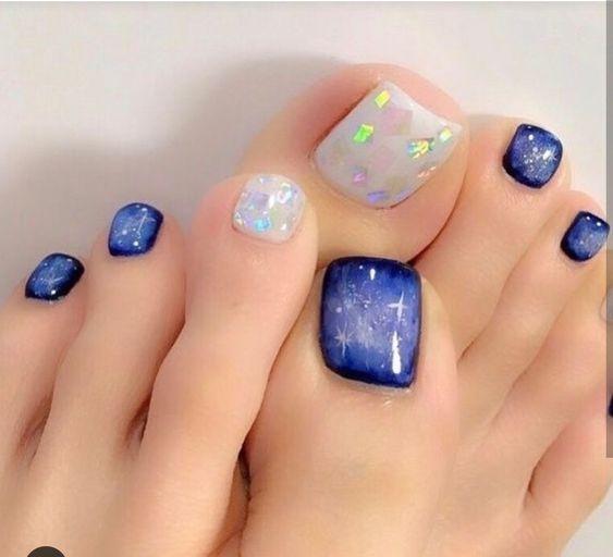 Волшебство на ногтях. Стильные новинки педикюра