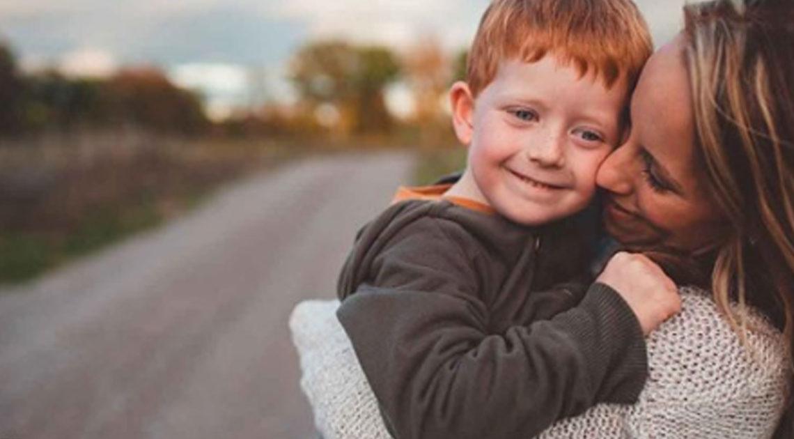 Чем больше вы обнимаете своих детей, тем они становятся умнее
