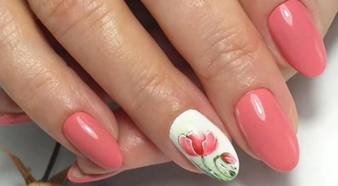 Стильный маникюр в нежно-розовом цвете